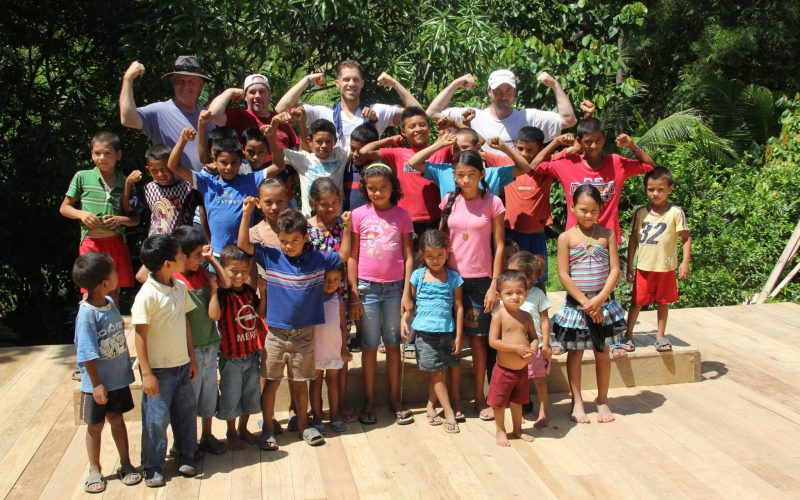 Copy of Team with kids- honduras-min